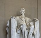 Lincoln_Memorial_(Lincoln_tall)