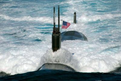 US-submarines-to-go-smoke-free[1]